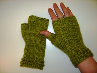 Malabrigo hand thingies 2