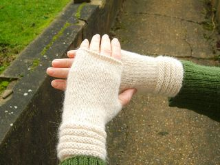 Welted mitts4