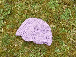 Scalloped lace baby hat