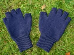 Glove_grass